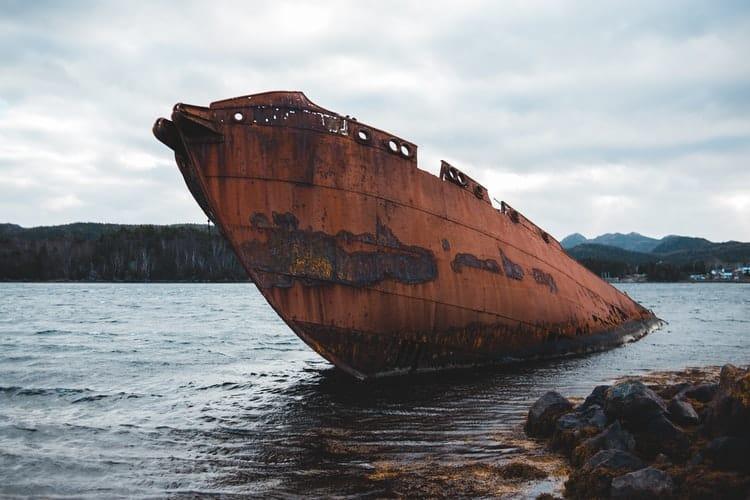 proteger o casco da embarcação