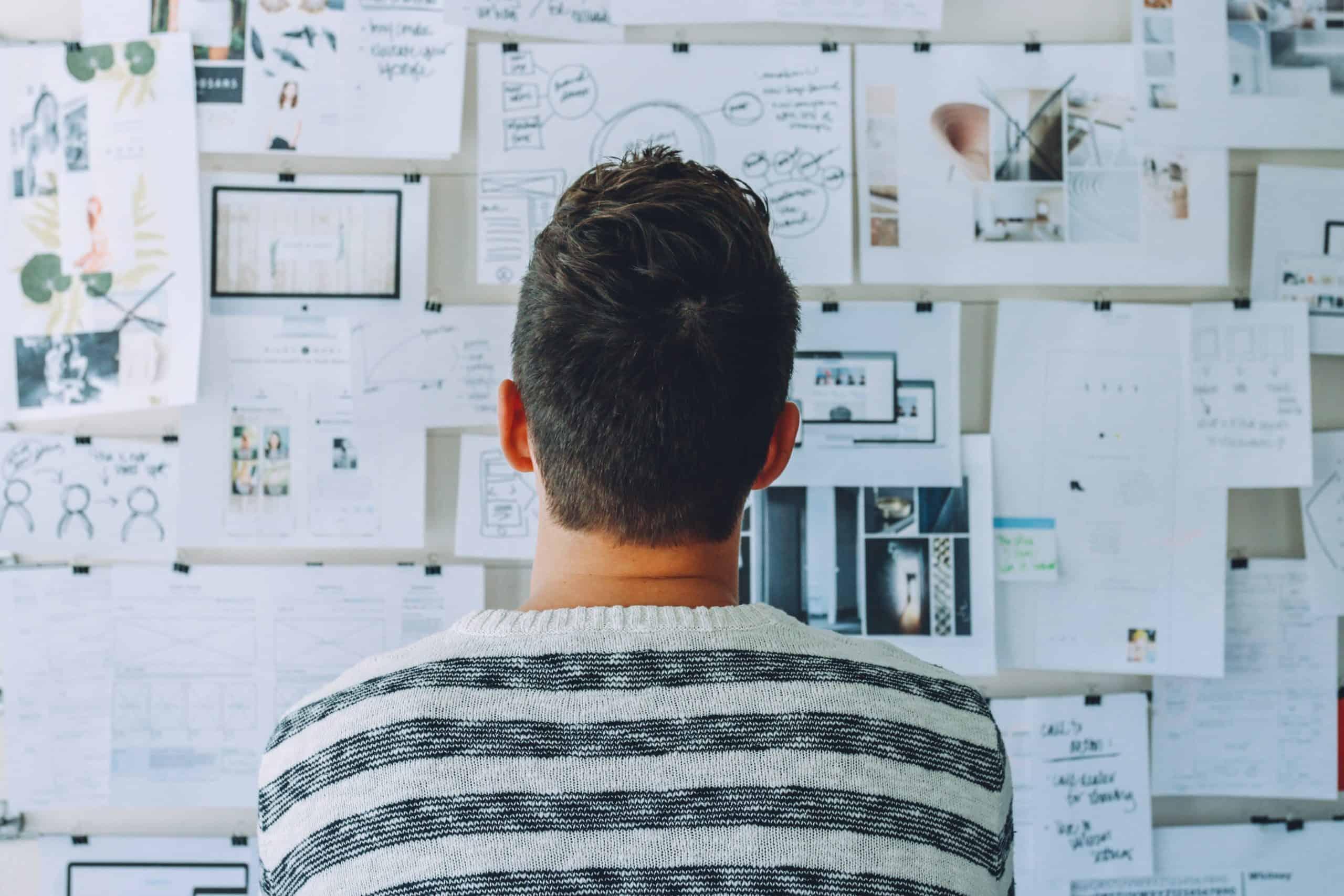 Homem Pensando Em Como Inovar No Produto