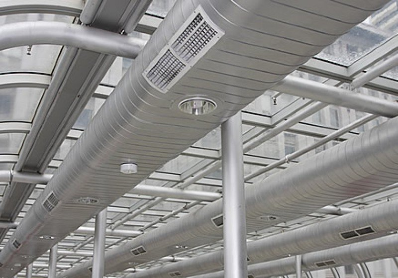 sistema de dutos de um ar condicionado