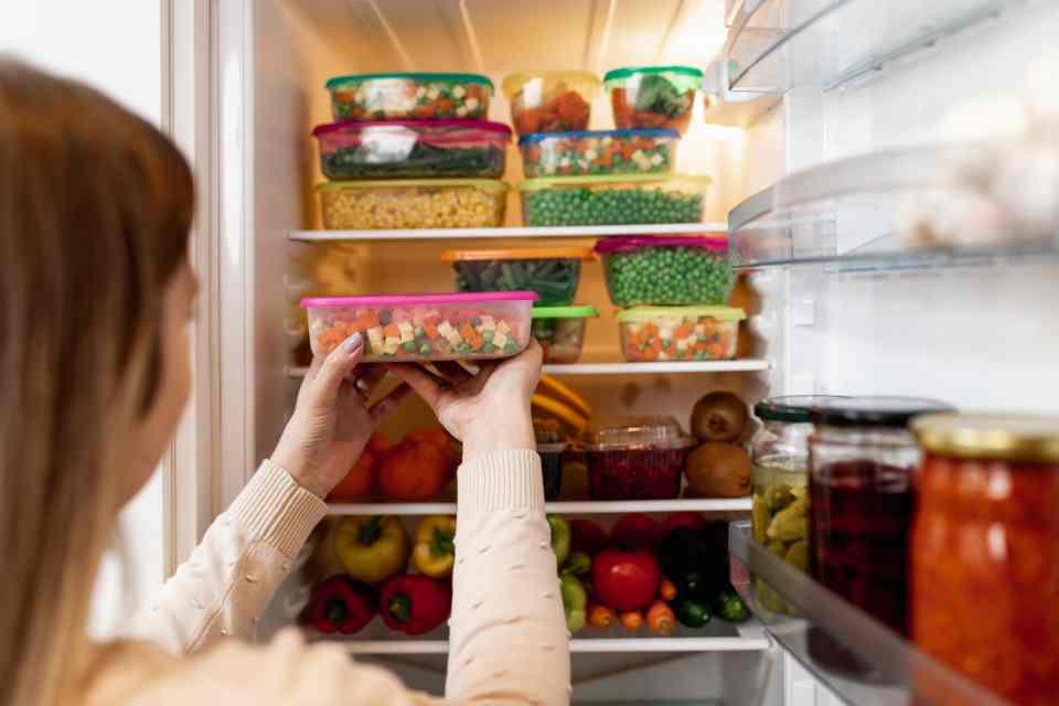 Pessoa Realizando O Método De Refrigeração